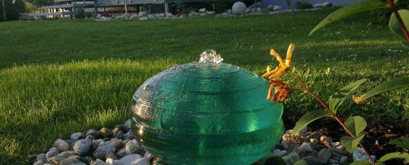 skleněná fontána